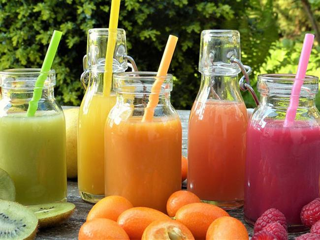 Metabolizmanın yavaş çalışması, belli bölgelerde yağ birikimine sebep olurken kilo vermeyi zorlaştırıyor. Ama beslenme ve egzersizle vücudu yağlardan arındırmak mümkün.   İşte evde beş dakikada hazırlayıp fit bir görünüme kavuşacağınız 7 içecek tarifi...   Kaynak Fotoğraflar: Pinterest, Pixabay