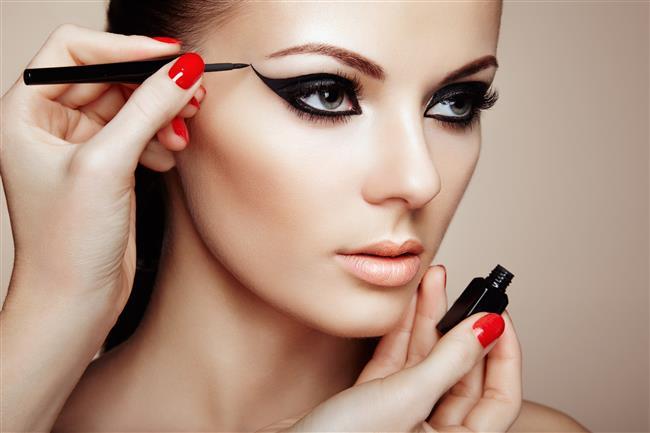 Kusursuz Göz Makyajı İçin En İyi 15 Eyeliner - 1