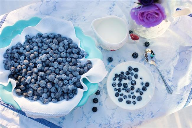 Kahvaltıda tercih edilmemesi gereken yiyecekler!  Obezite Doktoru Dr.Fevzi Özgönül, kahvaltı yaparken uzak durulması gereken gıdalar hakkında bilgiler verdi.  Kaynak Fotoğraflar:Pixabay, Pinterest
