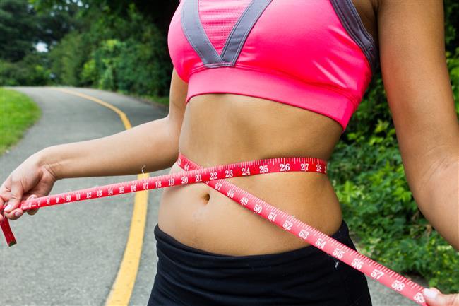 Bu önemli uyarıdan sonra şimdi tekrar en başa dönüp yani işin önemli olan sağlık boyutuna dönerek en etkili karın egzersizlerinden bahsedelim.Çünkü güçlü karın kasları ile düzgün bir duruşa ve düzgün bir vücut pozisyonuna sahip olabilirsiniz.