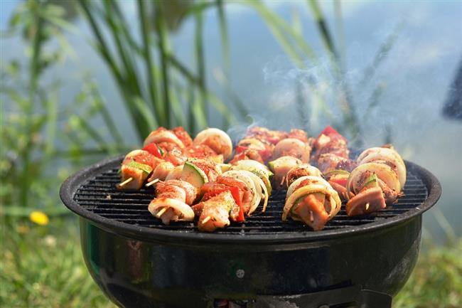 Pişirme yaparken fırınlama veya ızgara yöntemi daha az kayba neden olur. Sebzelerde buharda pişirme yöntemi en sağlıklı tercihtir.