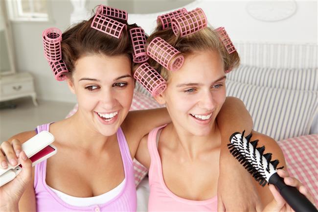 Saçlarınızı şekillendirirken saç maşası mı kullanıyorsunuz?  İşte saçlarınıza maşa yaparken dikkat etmeniz gereken 5 püf nokta!  Kaynak Fotoğraflar: Ingimage