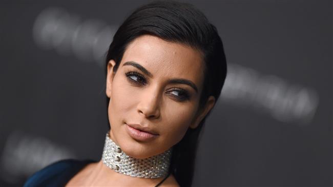 Kim Kardashian'dan Cüretkar Poz - 10