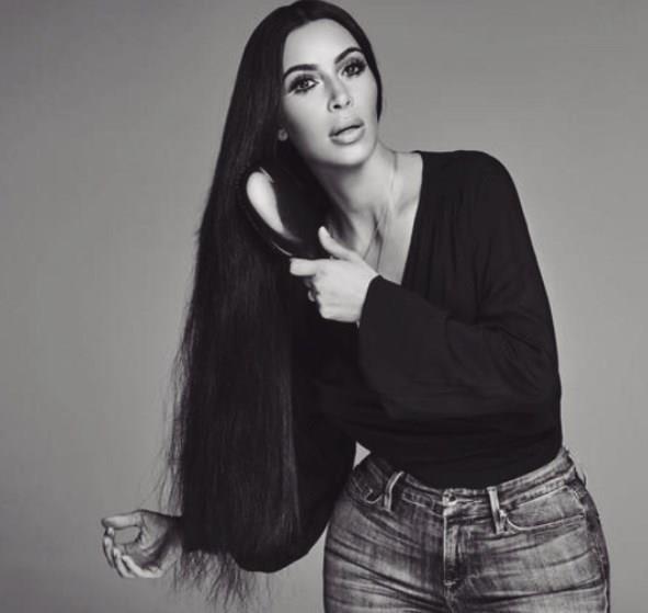 Kim Kardashian'dan Cüretkar Poz - 16