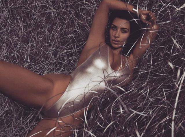 Kim Kardashian'dan Cüretkar Poz - 6