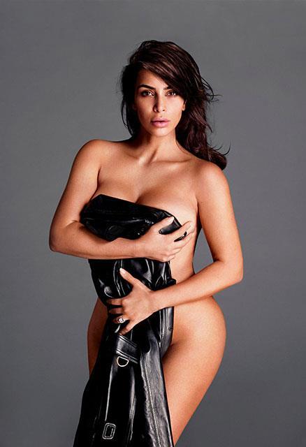 Kim Kardashian'dan Cüretkar Poz - 13