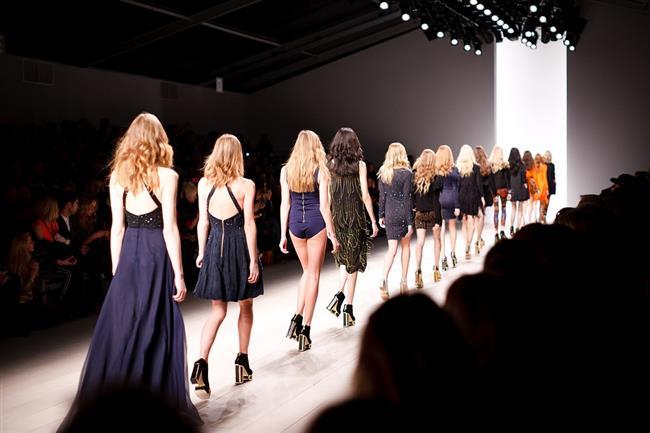 Christian Dior'dan Saint Laurent'e, dünya çapında beğeni toplayan Fransız moda markaları moda endüstrisinin anoreksiyayı teşvik ettiği eleştirileri nedeniyle reklamlarında ve defilelerinde sıfır beden olarak tabir edilen çok zayıf modelleri kullanmama kararı aldığını açıkladı.