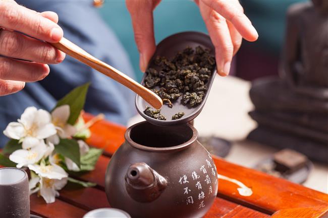 Oolong Çayının 9 Faydası  Başta kalp hastalıkları olmak üzere kan şekeri seviyesinden cilt sağlığına çeşitli sağlık sorunlarının tedavisinde kullanılan Oolong Çayı her derde deva!  İşte Oolong Çayının Faydaları!  Kaynak Fotoğraflar: Ingimage, Pixabay