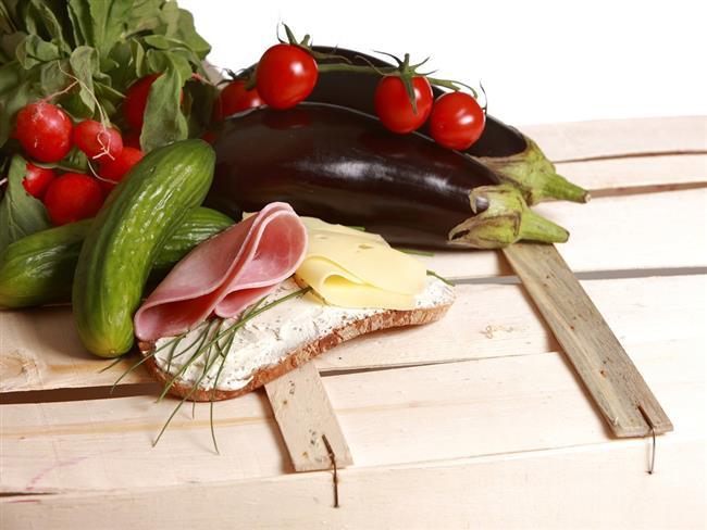 Patlıcan:  Kalp sağlığına faydalı olan patlıcan, diyabet hastaları için sağlıklı bir besin kaynağıdır. Bol miktarda demir içerdiği için saç sağlığından tırnak sağlığına kadar hayati önem taşır.