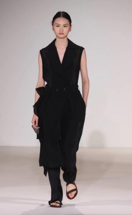 2017 NYFW Victoria Beckham Defilesi - 12