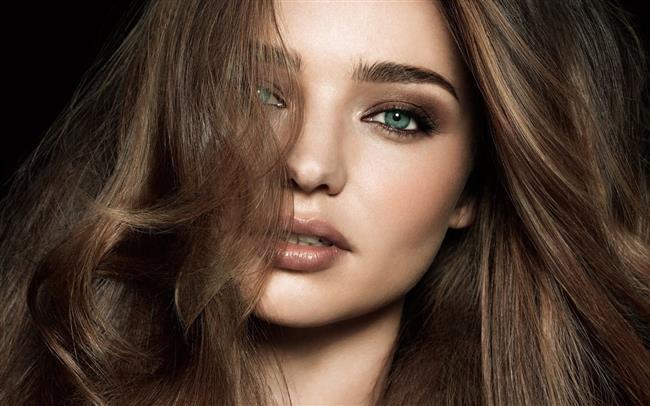 Makyaj Malzemelerinde Sonbahar  Sonbaharın vazgeçilmezi toprak tonlarını makyajınızda kullanın: Makyajınız mevsim ruhuna uyum sağlasın!  İşte makyajınıza sonbahar ruhu katacak 18 iyi ürün!  Kaynak Fotoğraflar: Pinterest