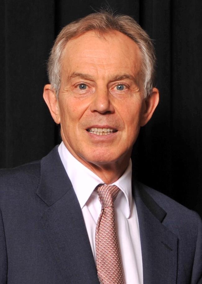 Tony Blair  1999-2005 yılları arasında İngiltere Başbakanı Tony Blair'in basın toplantıları için makyaja epey para harcadığı gündeme gelmiş hatta başbakanın kozmetiğe ortalama bir İngiliz kadının 2 katı para harcadığı iddia edilmişti.
