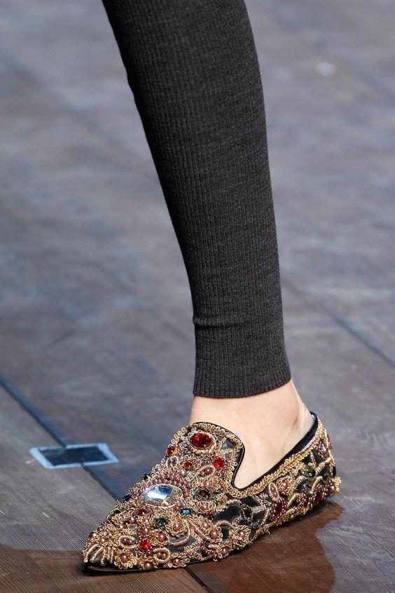 Trend Alarmı: İşlemeli Çanta ve Ayakkabılar - 36