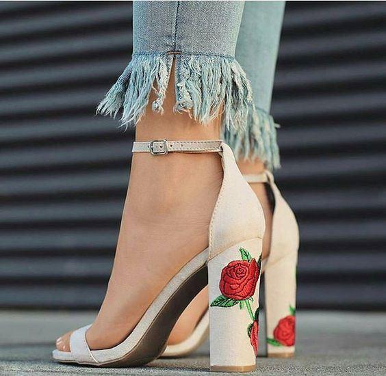 Trend Alarmı: İşlemeli Çanta ve Ayakkabılar - 37