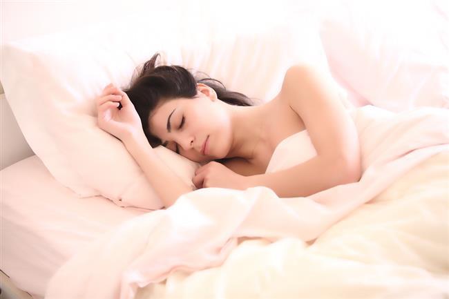Düzenli Ve İyi Uyuyun:  Az uykunun kilo aldırdığı kanıtlanan bilgiler arasında. Sağlıklı ve yeterli bir uyku obezitenin düşmanı.