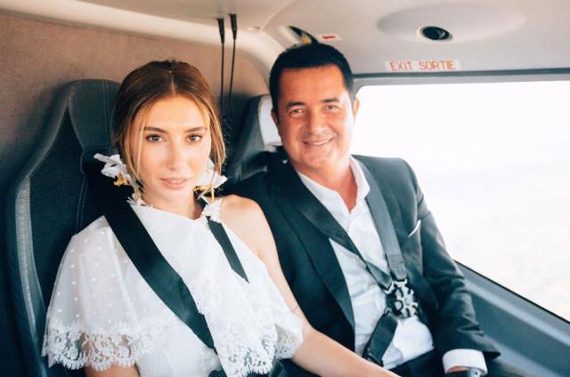 EN YAKIN ARKADAŞI NİKAH ŞAHİDİ OLDU  Cote D'Azur Havaalanı'nda bekleyen özel helikopter, ünlü çift ve şahitlerini Marsilya'ya götürdü. Ilıcalı ile Subaşı, buradaki Türk Konsolosluğu'nda Esat Yontunç ve Kübra Subaşı'nın şahitliğinde evlendi.