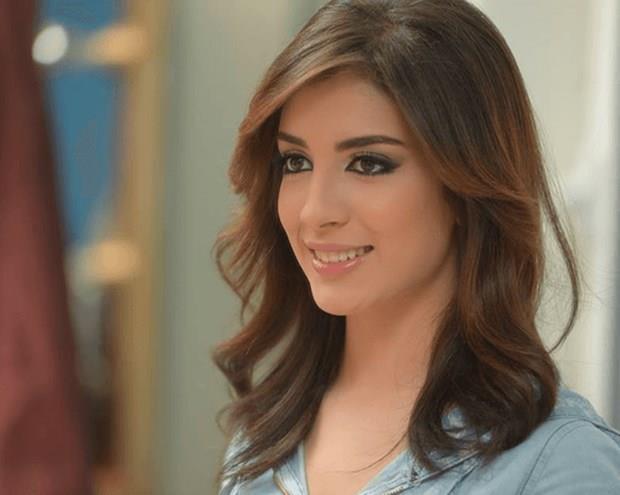 Souhila Ben Lachhab  9 Kasım 1994 (22 yaşında), Bou Saâda, Cezayir  Akrep