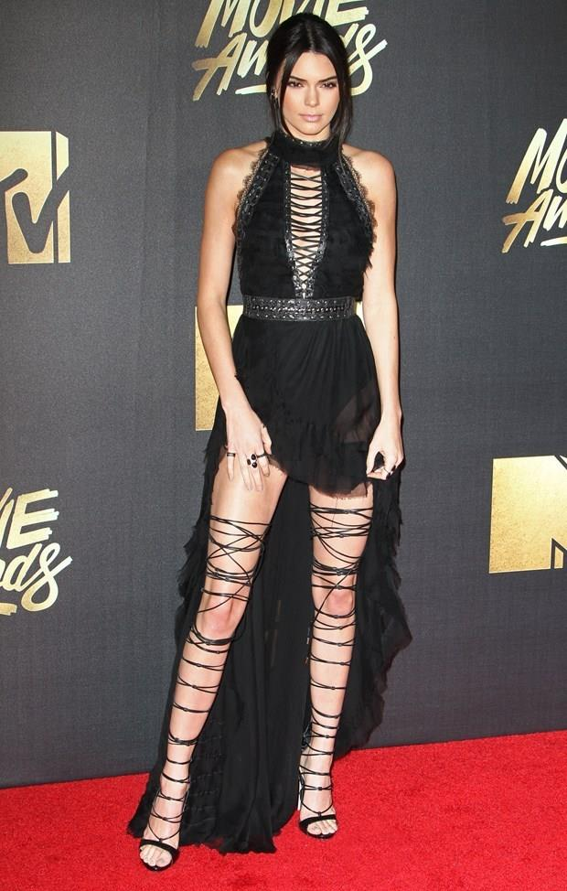 Kendall Jenner  3 Kasım 1995 (21 yaşında), Los Angeles, Kaliforniya, ABD  Akrep