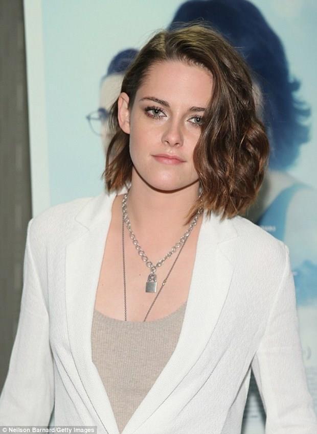 Kristen Stewart  9 Nisan 1990 (27 yaşında), Los Angeles, Kaliforniya, ABD  Koç