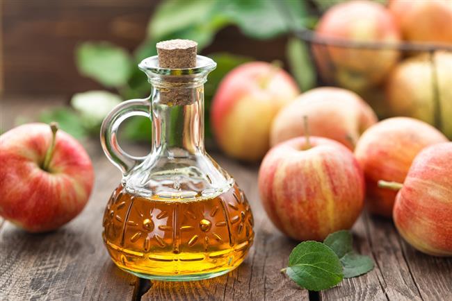 Sabah açken bir büyük bardak doğal elma sirkeli su içerek güne başlanmalı.