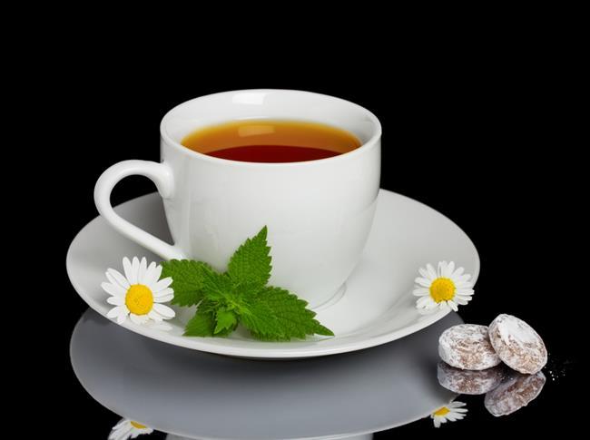 Her Gün Bitki Çayı Tüketin!  Stres düzeylerini de düşüren anason çayı, rezene çayı, papatya çayı veya yeşil çaylardan birini günde 2 bardak tüketin.