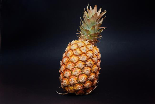 Tansiyon:  Yeterli miktarda (günlük önerilen miktar 4700 mg) potasyum almak kan basıncının (tansiyon) dengelenmesini sağlar. Ananas içerdiği potasyum ile (1 meyvede 986 mg) yüksek tansiyonun düşürülmesine ve kontrol altında tutulmasına yardımcı olabilir.