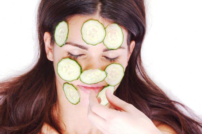 Yüzünüz için doğal bir maskeden daha tazeleyici bir şey olamaz.Sizler için evde rahatlıkla uygulayabileceğiniz doğal maskeleri bir araya getirdik.  Kaynak Fotoğraflar:Pixabay,İngimage