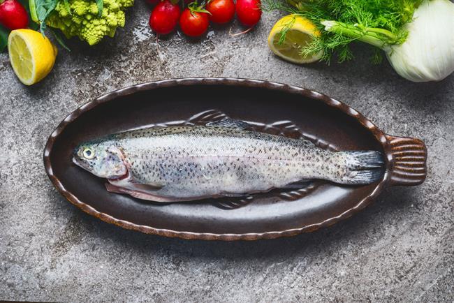BALIĞIN TAZESİNİ GÖZÜNDEN ANLAYIN  Sağlıklı beslenme menülerinin vazgeçilmezi olan balık; folik asit, fosfor, kalsiyum, iyot ve selenyum gibi mineraller içeriğiyle de çok zengin bir besindir.  Balığın mevsiminde tüketildiğinde daha sağlıklı ve doğru tercih olduğunu belirten Uzman Diyetisyeni Olcay Barış, hangi ay hangi balığın lezzetli olduğunu anlatarak taze balığı seçme ve pişirme yöntemlerinden bahsetti.  Kaynak Fotoğraflar: Ingımage, Pinterest, Google Yeniden Kullanım