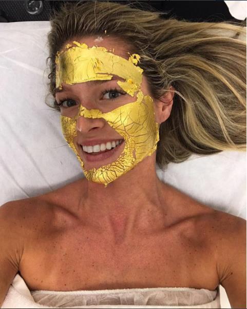 Yeni Trend: Gümüş Ve Altın Maskeler - 3