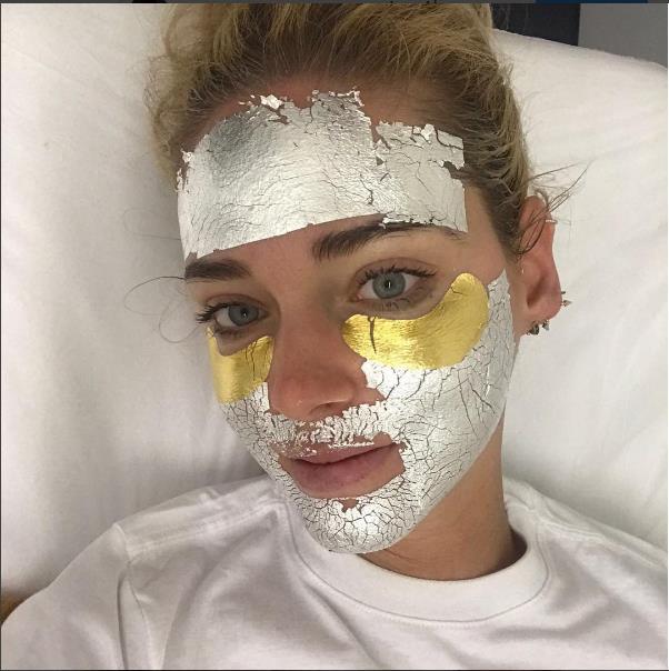 Yeni Trend: Gümüş Ve Altın Maskeler - 7