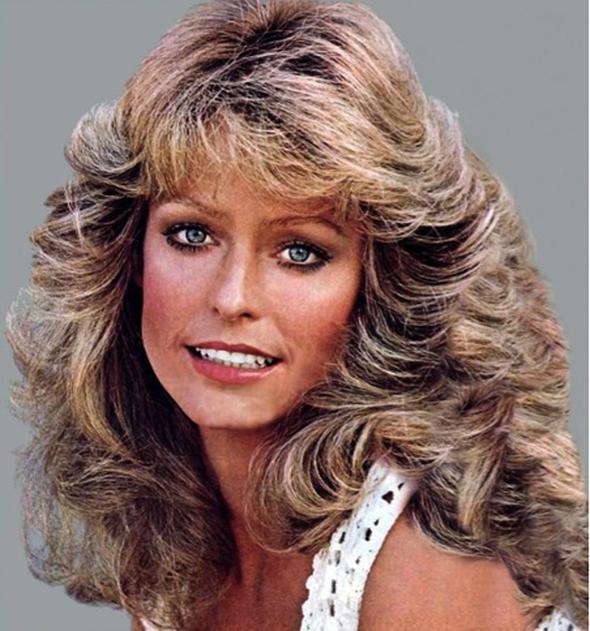 Havalı saçlar 1970'lerde ünlenen saç modeli, Charlie'nin Melekleri adlı filmde oynayan Farrah Fawcett sayesinde dönemin en ikonik saçı haline geldi.