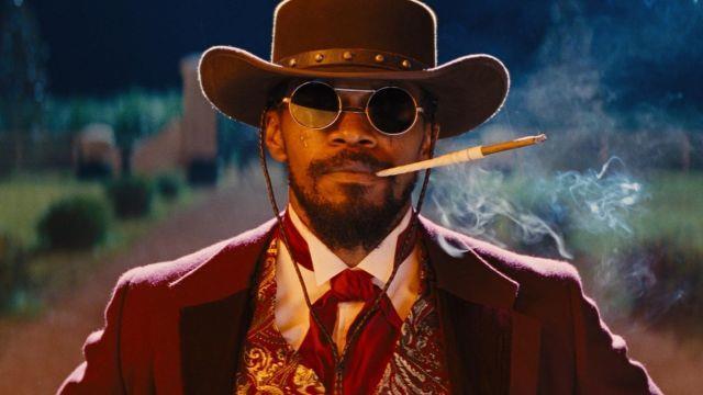 2012- Django Unchained  Üstat Tarantino'nun insanlığa hediyesi olan bir eser daha. Leonardo DiCaprio, Jamie Foxx, Samuel L. Jackson, Christoph Waltz gibi oyuncuların arasında kendine de ufak bir rol veren Tarantino, 2012 yılını daha çekilir bir hale getirdi.