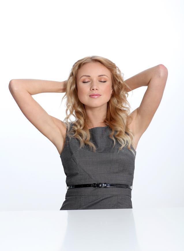 3-HER AÇIDAN RAHATLIK  Geceleri duş almak sizi bir süre sonra daha relax bir insan haline getirir. O her sabah güne duşla başlayan saçları süper yapılı Merve ya da Berk bırakın bu rutine devam etsin. Siz rahatınıza bakın.