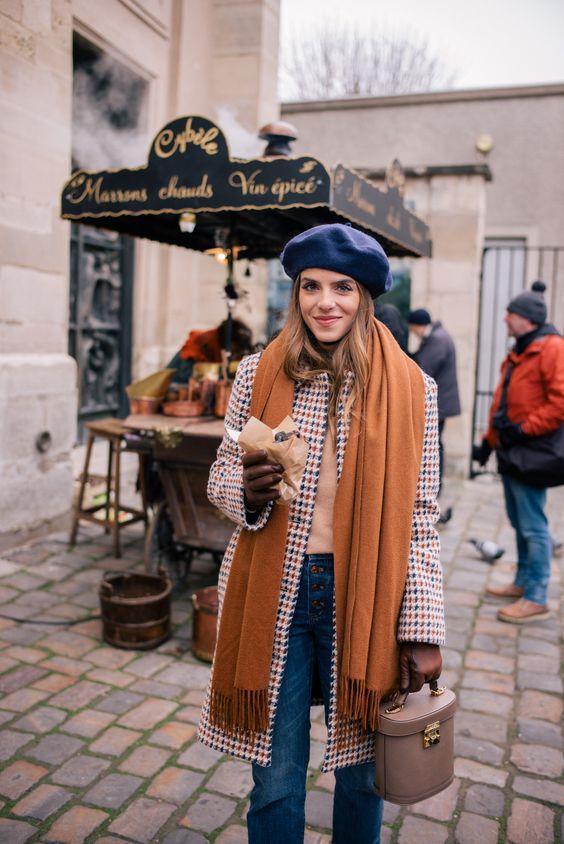 Soğuyan havaların kurtarıcısı hiç şüphesiz bereler.. Sokak modasını da stilize etmesi ile en rahat kullanılan parçalardan.