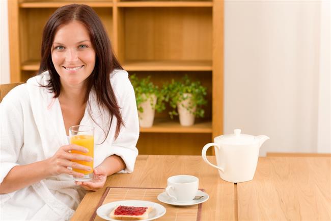 Kahvaltı modunuzu yükseltir!  Bilimsel olarak kanıtlanmış bir gerçek de kahvaltıda aldığınız besinlerin sizi diğer öğünlerde aldıklarınızdan daha mutlu ettiğidir. Sadece bu yüzden bile kahvaltı edilir.