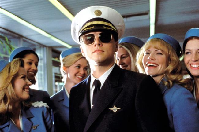 Sıkıysa Yakala (Catch Me If You Can – 2002) )  Leonardo DiCaprio'nun adeta devleştiği bu film biraz dolandırıcılık üzerine kurulu ama yine de iyi bir zengin olma hikayesi. En azından Leo yeteneği had safhada olan bir dolandırıcı. Bu nedenle kendisi mazur görülebilir. İzlerken bir saniye bile gözünüzü ayıramayacağınız aksiyonu da senaryosu da tadında harika bir film.
