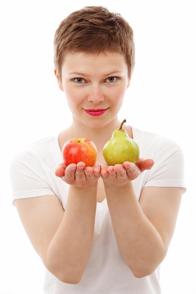Sağlıklı beslenmemek  Sporun yanında sağlıklı beslenmeyi de mutlaka kombinlemek gereklidir. Çünkü artık gençliğinizde yediğiniz her şeyi yakan ve vücudunuzu sizin için temizleyen organlarınız da sizinle birlikte yaş almıştır. Onlara her zamankinden iyi bakmalı ve bunun için de sağlıksız olan her şeyden uzak durmalısınız. Ancak bu şekilde yaşlanmaktan korkmazsınız.