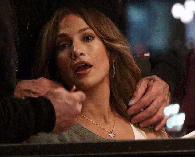 Jennifer Lopez Fena Yakalandı - 2