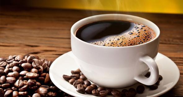 Kahve  Kahvenin hazımsızlığa iyi geldiğini bilmeyen yoktur. Sıkça yaşadığınız şişkinlik ve hazımsızlık gibi problemler için ilk önce az ve yavaş yemenizi öneririz. Ama olan oldu diyorsanız yemeyi bitirdikten bir süre sonra bir bardak kahve size yardımcı olacaktır.