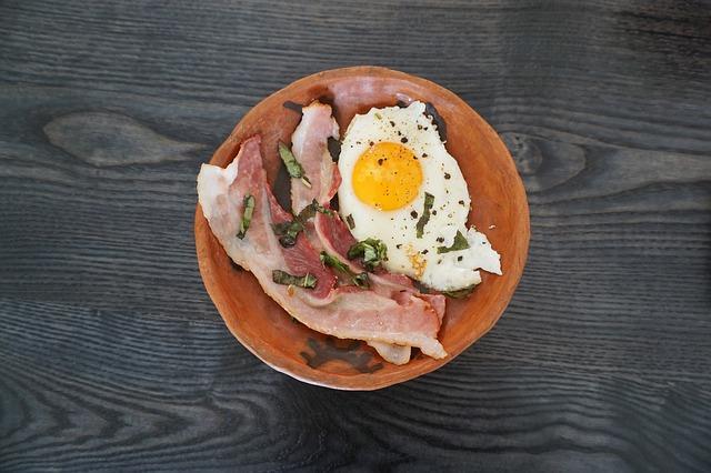 Beslenme oranlarına dikkat edin  Günlük kg başına 1-15gr protein alın.Kompleks karbonhidratlar beslenmenizin yüzde 55'ini oluşturur.