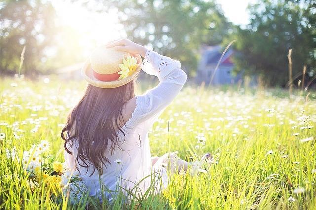 Açık havaya çıkı  Kışın bile her gün 10-15 dakika direkt güneş ışığı görmeye çalışın. D vitamini eksikliği ile birlikte oksijen eksiliği de metabolizmayı yavaşlatır.