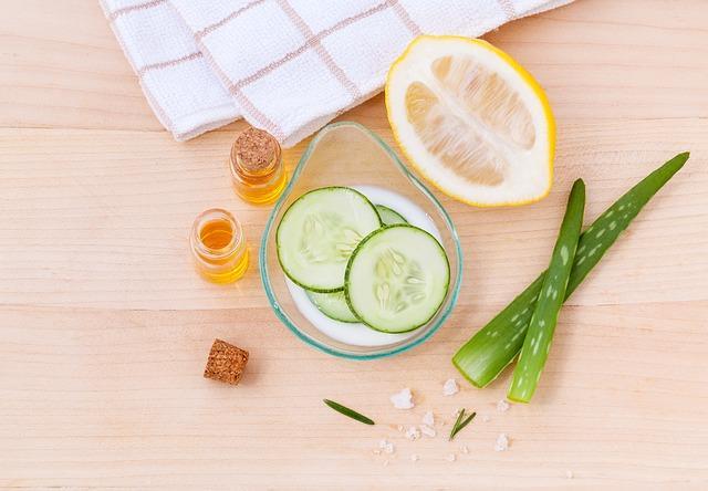 Doğal bakımlar çok faydalı  Kozmetik ürünlerdeki kimyasalların zararlarından korunmak isteyenler için evinizdeki yiyecek maddelerinden doğal maskeler yapabilirsiniz.