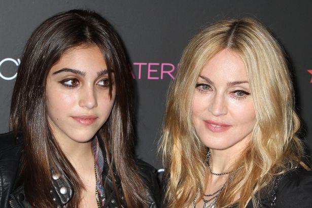 -Madonna ve kızı Lourdes Maria Ciccone Leon