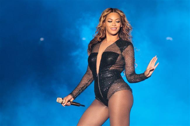 Beyoncé  Yılın Kadın Artisti Ödülü (Soul/R&B)