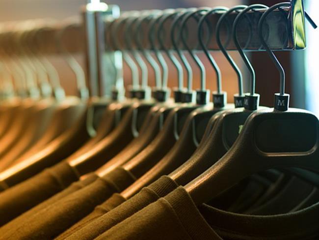 Güzel giyinmeyi seviyoruz ve bu nedenle de tüm ay boyunca büyük bir uğraşla çalışıp didinip kazandığımız maaşımızı en son moda kıyafetlere harcıyoruz. Ancak zamanla eskimeleri kaçınılmaz oluyor tabii. Bu nedenle sadece satın almak yetmez kıyafetlerimize iyi bakmak da önemli. Neyse ki birkaç ufak numara sayesinde bu mümkün.  Kaynak Fotoğraflar: Pinterest