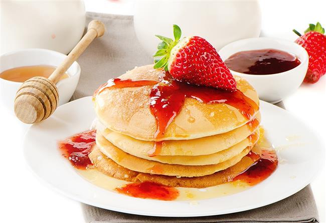 Son dönemde kahvaltı sofralarının da zamansız atıştırmalıkların da en tatlı seçeneği haline gelen pancake, en güzelini bulmak uğruna yollar arşınlatır. Aynı fikirdeyseniz arşınlayacağınız yolların listesi burada!  Kaynak Fotoğraflar:Hürriyet Arşiv