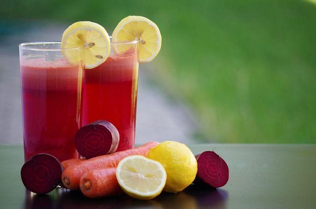 Kırmızı Pancar – Zencefil  Malzemeler:  *1 kırmızı pancar *1 havuç *1 yeşil elma *1 parça taze zencefil *1 bardak su