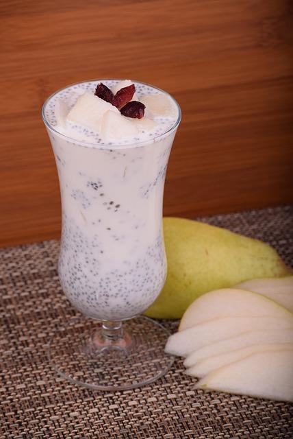 Chia Tohumu – Armut  Malzemeler:  *1 bardak soya sütü *1 yemek kaşığı chia tohumu *Yarım armut *Tarçın