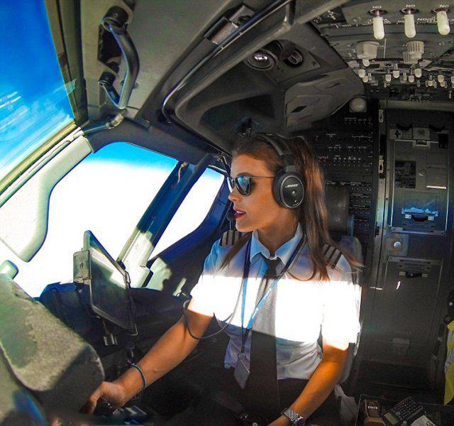 Dünyanın En Seksi Pilotu: Malin Rydqvist - 35
