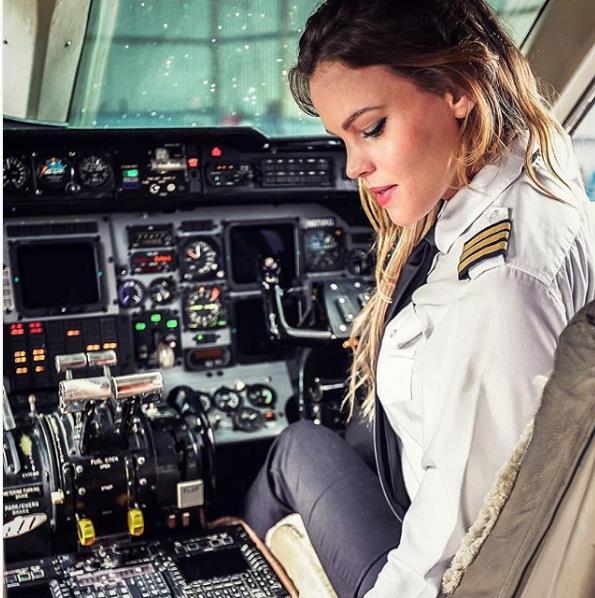 Dünyanın En Seksi Pilotu: Malin Rydqvist - 9